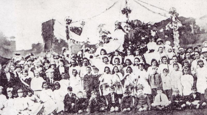 Participants on Giant Axe Field, Lancaster. Lancaster Guardian, 1923.